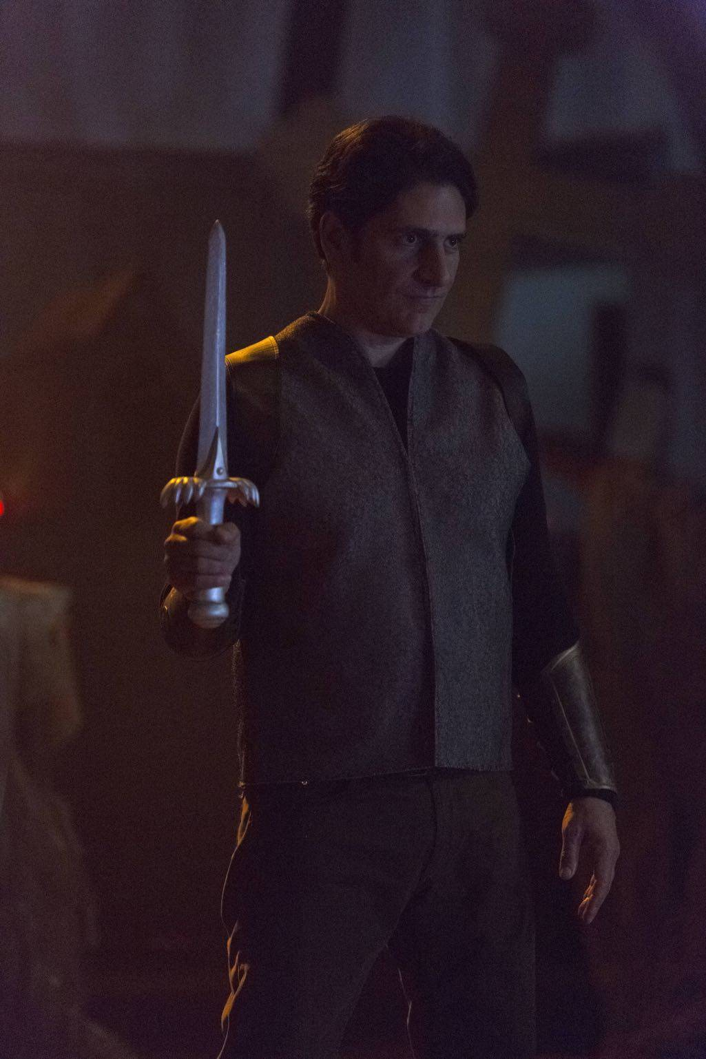 "LUCIFER: Guest star Michael Imperioli in the ""Weaponizer"" episode of LUCIFER airing Monday, Oct. 24 (9:01-10:00 PM ET/PT) on FOX. ©2016 Fox Broadcasting Co. Cr: Michael Courtney/FOX."