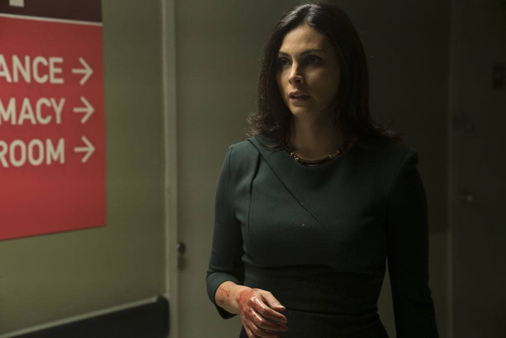 """GOTHAM: Morena Baccarin in the """"Mad City: Follow the White Rabbit"""" episode of GOTHAM airing Monday, Oct. 24 (8:00-9:01 PM ET/PT) on FOX. ©2016 Fox Broadcasting Co. Cr: Jessica Miglio/FOX."""
