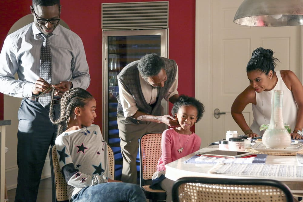 "THIS IS US -- ""The Pool"" Episode 104 -- Pictured: (l-r) Sterling K Brown as Randall, Eris Baker as Tess, Ron Cephas Jones as William, Faithe Herman as Annie, Susan Kelechi Watson as Beth -- (Photo by: Vivian Zink/NBC)"