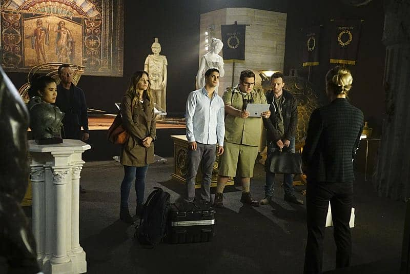 """""""Plight at the Museum"""" -- Team Scorpion's simple job at the Los Angeles Natural History Museum turns deadly when they discover thieves robbing a rare gem exhibit in order to get materials needed to enrich a nuclear bomb, on SCORPION, Monday, Oct. 24 (10:00-11:00 PM, ET/PT), on the CBS Television Network. Pictured: Jadyn Wong, Robert Patrick, Katharine McPhee, Elyes Gabel, Ari Stidham, Eddie Kaye Thomas. Photo: Sonja Flemming/CBS ©2016 CBS Broadcasting, Inc. All Rights Reserved"""
