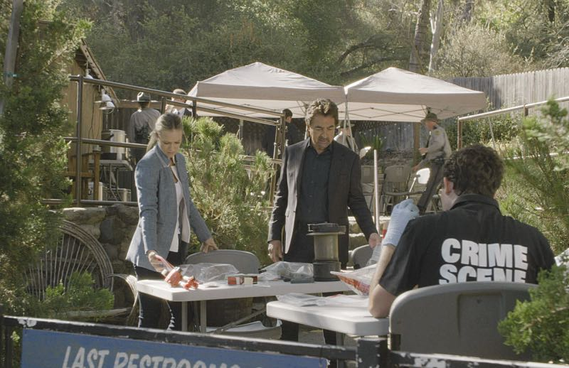 """""""Keeper"""" -- The BAU team searches for a serial killer along the Appalachian Trail in rural Virginia, on CRIMINAL MINDS, Wednesday, Oct. 26 (9:00-10:00 PM, ET/PT), on the CBS Television Network. Pictured: A.J. Cook (Jennifer """"JJ"""" Jareau), Joe Mantegna (David Rossi) Photo: CBS ©2016 CBS Broadcasting, Inc. All Rights Reserved"""