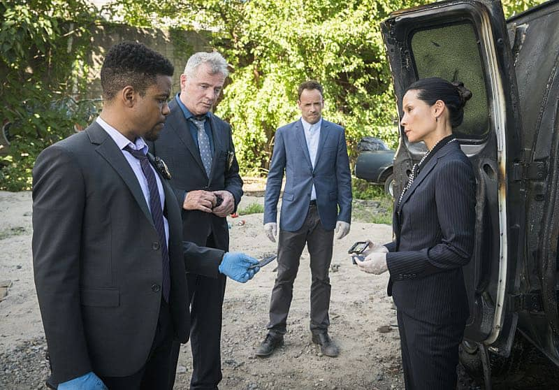 """Render, And Then Seize Her""-- ELEMENTARY, Sunday, (10:00-11:00 PM, ET/PT) on the CBS Television Network. Photo: Michael Parmelee/CBS ©2016 CBS Broadcasting, Inc. All Rights Reserved"
