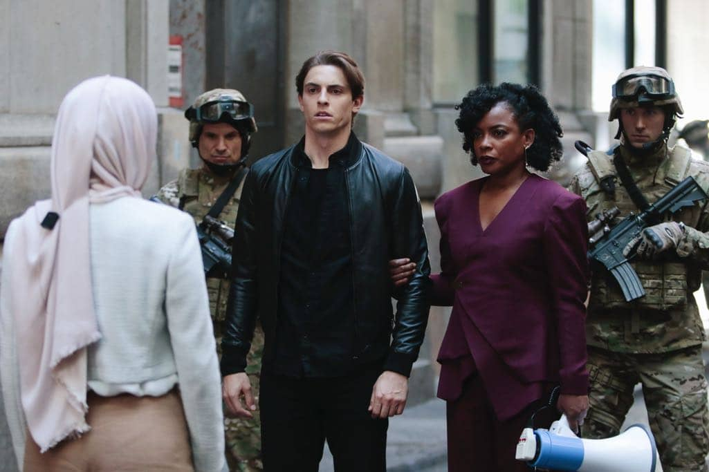 """QUANTICO - """"Kubark"""" - The trainees are put through a training drill that tests their stress levels while Alex tries to gather information and get close to Owen. Meanwhile, in the future, the terrorist organization demands a trade, a move that could possibly end the stand-off, on """"Quantico,"""" airing SUNDAY, OCTOBER 23 (10:00-11:00 p.m. EDT), on the ABC Television Network. (ABC/Giovanni Rufino) DEREK KLENA, AUNJANUE ELLIS"""