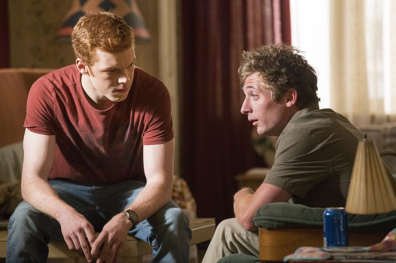 Cameron Monaghan as Ian Gallagher and Jeremy Allen White as Lip Gallagher in Shameless (Season 7, episode 3) - Photo: Paul Sarkis/SHOWTIME - Photo ID: shameless_703_3754