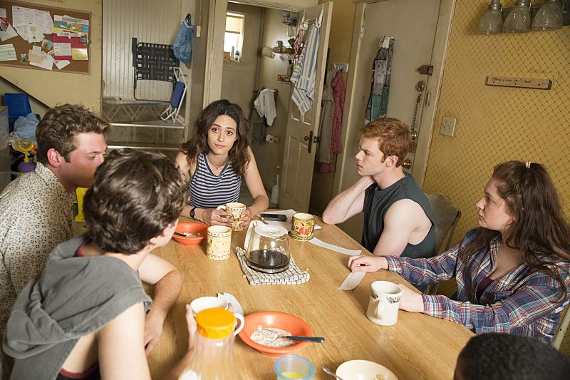 Jeremy Allen White as Lip Gallagher, Emmy Rossum as Fiona Gallagher, Cameron Monaghan as Ian Gallagher and Emma Kenney as Debbie Gallagher in Shameless (Season 7, episode 3) - Photo: Cliff Lipson/SHOWTIME - Photo ID: shameless_703_2665