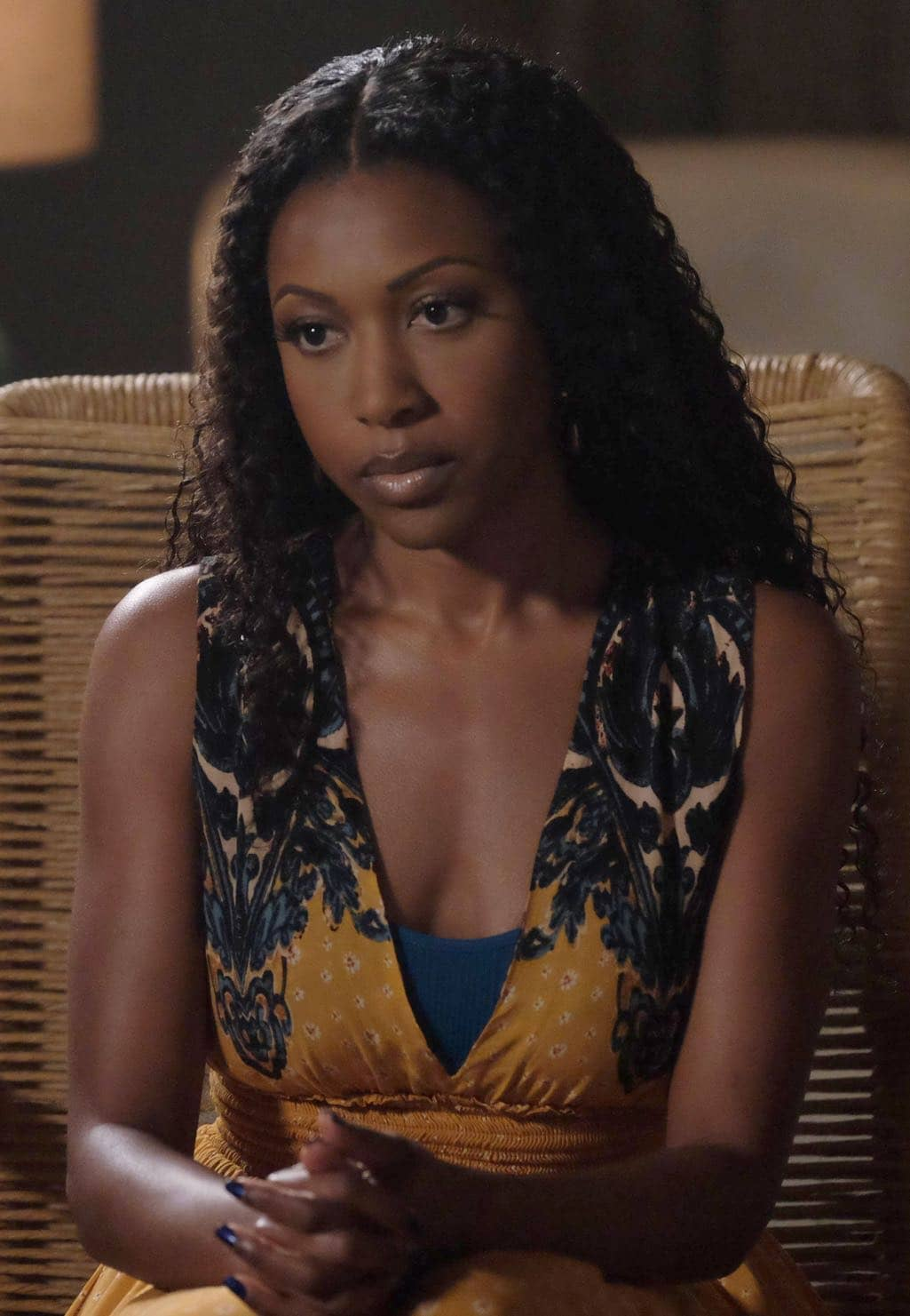 "ROSEWOOD: Gabrielle Dennis in the ""Spirochete & Santeria"" episode of ROSEWOOD airing Thursday, Wednesday Oct. 27 (8:00-8:59 PM ET/PT) on FOX. ©2016 Fox Broadcasting Co. CR: Darren Michaels/FOX"