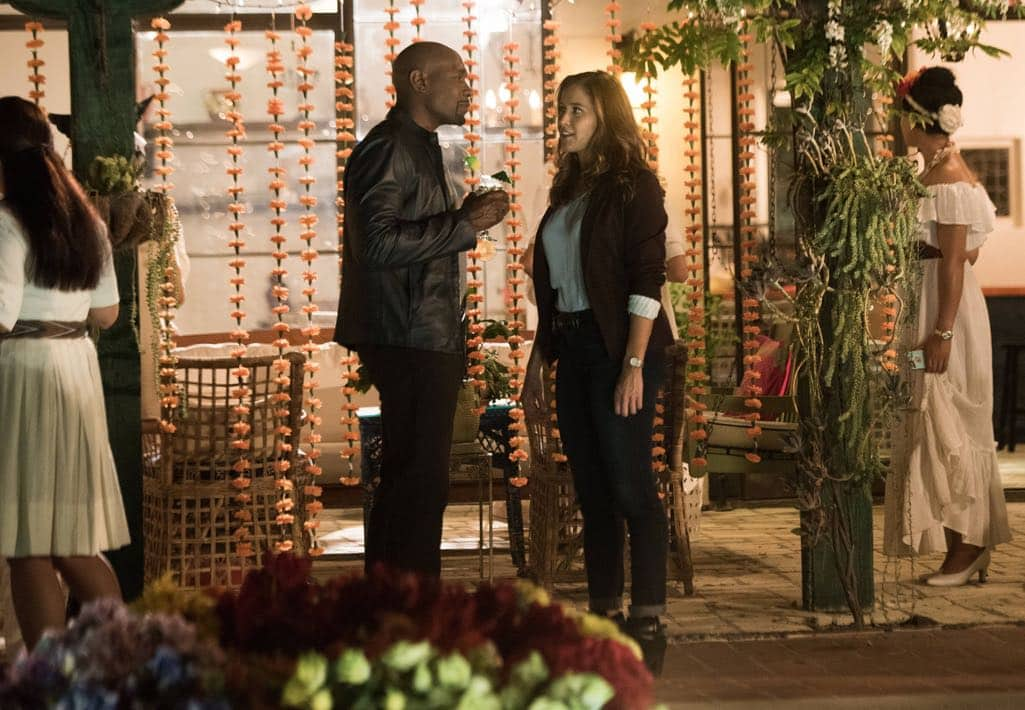 "ROSEWOOD: Pictured L-R: Morris Chestnut and Jaina Lee Ortiz in the ""Spirochete & Santeria"" episode of ROSEWOOD airing Thursday, Wednesday Oct. 27 (8:00-8:59 PM ET/PT) on FOX. ©2016 Fox Broadcasting Co. CR: Eddy Chen/FOX"