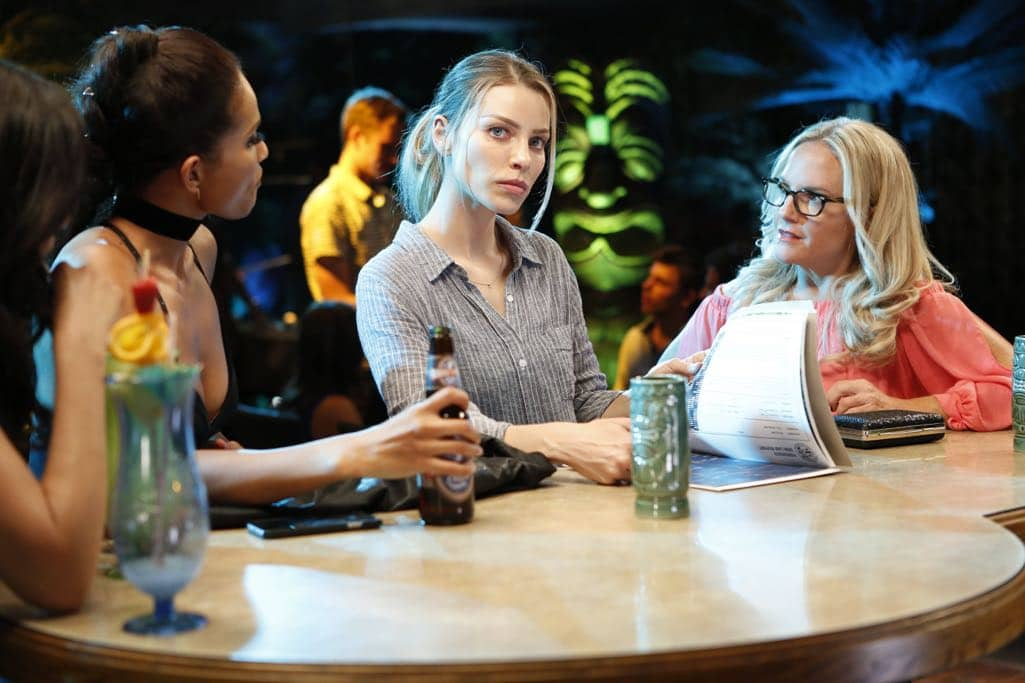 "LUCIFER: L-R: Lesley-Ann Brandt, Lauren German and Rachael Harris in the ""Lady Parts"" episode of LUCIFER airing Monday, Oct. 17 (9:01-10:00 PM ET/PT) on FOX. ©2016 Fox Broadcasting Co. Cr: Bettina Strauss/FOX."