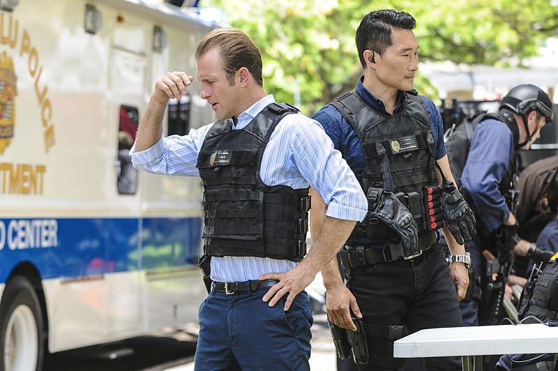 """""""Ke Kū 'Ana"""" -- When a cache of guns is stolen from a gun range, Five-0 discovers the culprit is intent on making a dramatic and potentially deadly statement on gun violence. Also, Kono and Adam are finally reunited when he is released from prison, on HAWAII FIVE-0, Friday, Oct. 21 (9:00-10:00 PM, ET/PT), on the CBS Television Network. (""""Ke Kū 'Ana"""" is Hawaiian for """"The Stand"""") Pictured left to right: Scott Caan as Danny """"Danno"""" Williams and Daniel Dae Kim as Chin Ho Kelly. Photo: Norman Shapiro/CBS ©2016 CBS Broadcasting, Inc. All Rights Reserved"""