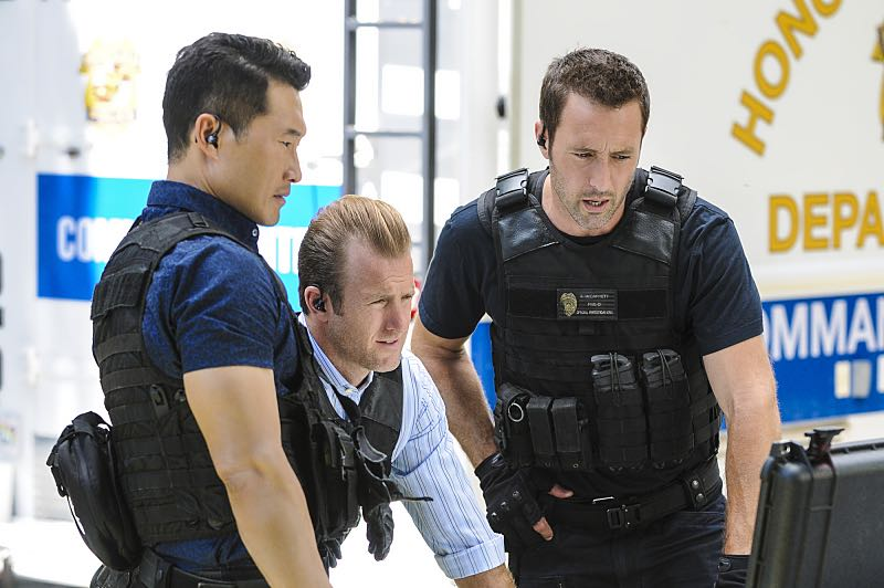 """""""Ke Kū 'Ana"""" -- When a cache of guns is stolen from a gun range, Five-0 discovers the culprit is intent on making a dramatic and potentially deadly statement on gun violence. Also, Kono and Adam are finally reunited when he is released from prison, on HAWAII FIVE-0, Friday, Oct. 21 (9:00-10:00 PM, ET/PT), on the CBS Television Network. (""""Ke Kū 'Ana"""" is Hawaiian for """"The Stand"""") Pictured left to right: Daniel Dae Kim as Chin Ho Kelly, Scott Caan as Danny """"Danno"""" Williams, and Alex O'Loughlin as Steve McGarrett. Photo: Norman Shapiro/CBS ©2016 CBS Broadcasting, Inc. All Rights Reserved"""