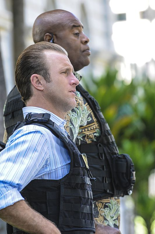 """""""Ke Kū 'Ana"""" -- When a cache of guns is stolen from a gun range, Five-0 discovers the culprit is intent on making a dramatic and potentially deadly statement on gun violence. Also, Kono and Adam are finally reunited when he is released from prison, on HAWAII FIVE-0, Friday, Oct. 21 (9:00-10:00 PM, ET/PT), on the CBS Television Network. (""""Ke Kū 'Ana"""" is Hawaiian for """"The Stand"""") Pictured left to right: Scott Caan as Danny """"Danno"""" Williams and Chi McBride as Lou Grover. Photo: Norman Shapiro/CBS ©2016 CBS Broadcasting, Inc. All Rights Reserved"""