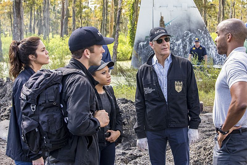 """Course Correction"" -- NCIS and FBI investigate a private plane crash in the bayou that killed three sailors. Also, Sonja and Lasalle interview candidates for the team's open agent position, on NCIS: New Orleans, Tuesday, Oct. 25 (10:00-11:00, ET/PT), on the CBS Television Network. Pictured L-R: Vanessa Ferlito as FBI Special Agent Tammy Gregorio, Lucas Black as Special Agent Christopher LaSalle, Shalita Grant as Sonja Percy, Scott Bakula as Special Agent Dwayne Pride, and Reggie Austin as Terry Jenkins Photo: Skip Bolen/CBS ©2016 CBS Broadcasting, Inc. All Rights Reserved"
