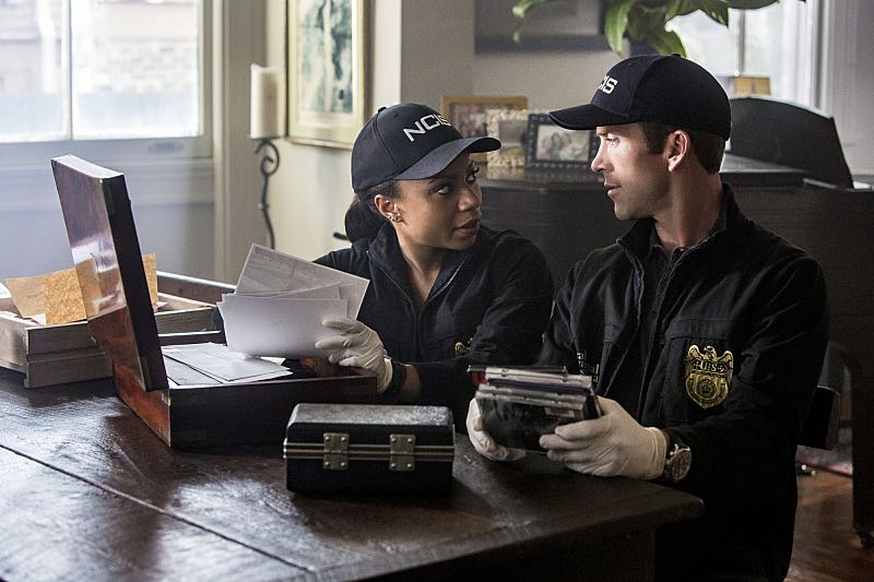 """Course Correction"" -- NCIS and FBI investigate a private plane crash in the bayou that killed three sailors. Also, Sonja and Lasalle interview candidates for the team's open agent position, on NCIS: New Orleans, Tuesday, Oct. 25 (10:00-11:00, ET/PT), on the CBS Television Network. Pictured L-R: Shalita Grant as Sonja Percy and Lucas Black as Special Agent Christopher LaSalle Photo: Skip Bolen/CBS ©2016 CBS Broadcasting, Inc. All Rights Reserved"