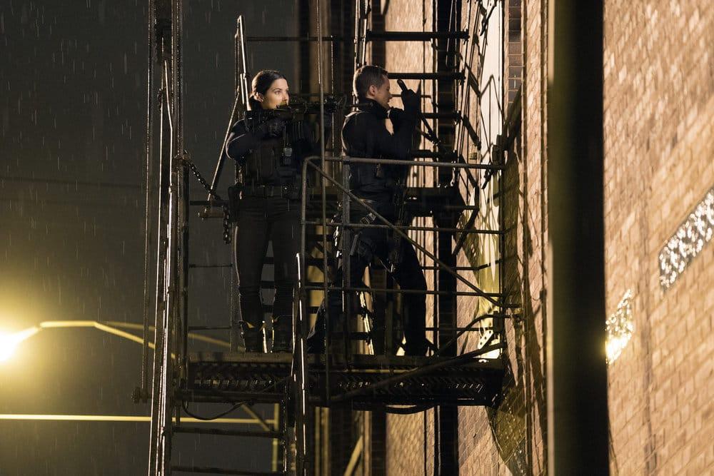 "CHICAGO P.D. -- ""A War Zone"" Episode 404 -- Pictured: (l-r) Sophia Bush as Erin Lindsay, Jesse Lee Soffer as Jay Halstead -- (Photo by: Elizabeth Sisson/NBC)"