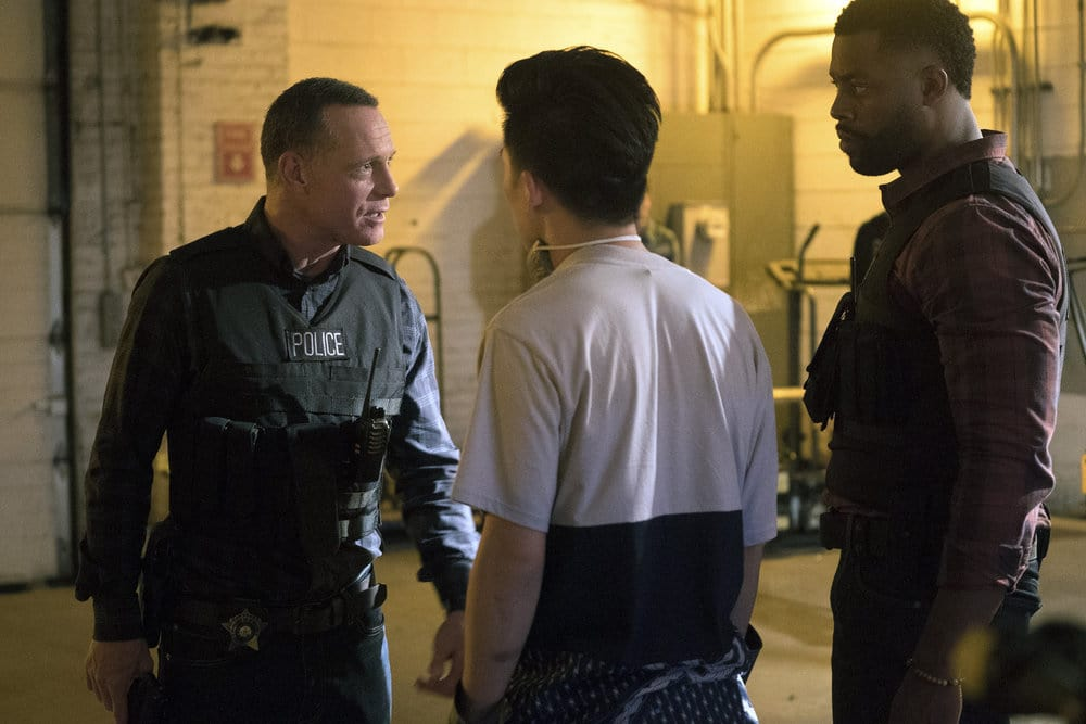 """CHICAGO P.D. -- """"A War Zone"""" Episode 404 -- Pictured: (l-r) Jason Beghe as Hank Voight, LaRoyce Hawkins as Kevin Atwater -- (Photo by: Elizabeth Sisson/NBC)"""