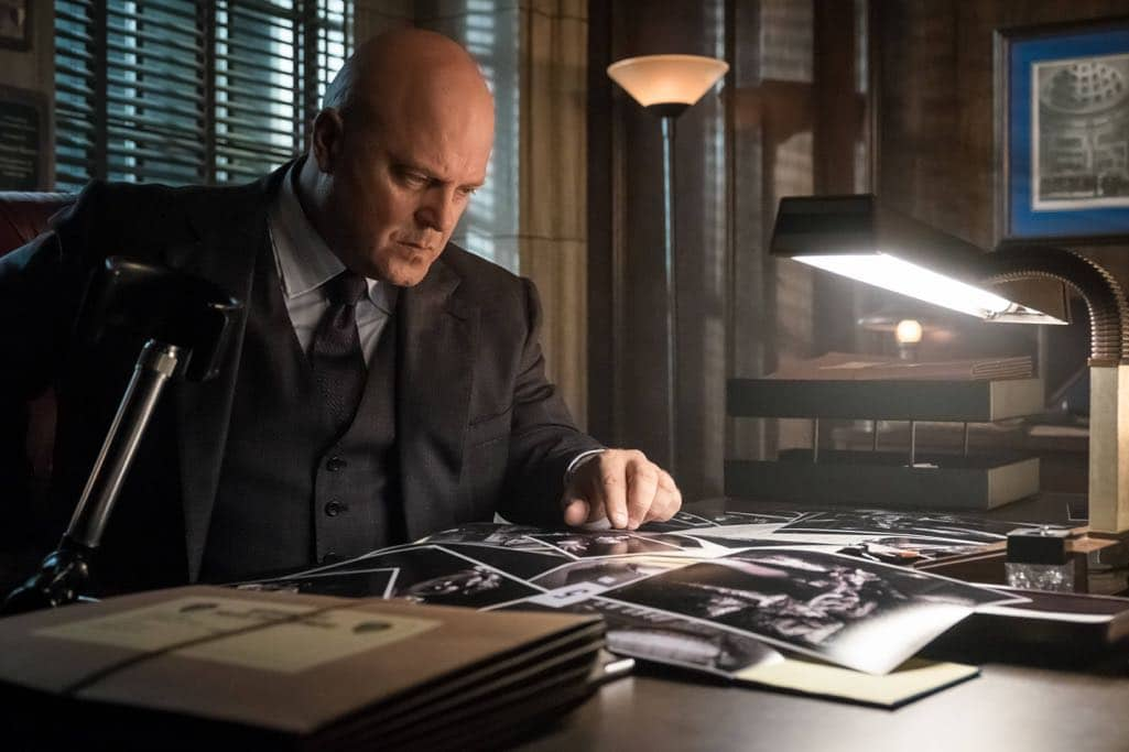 "GOTHAM: Michael Chiklis in the""Mad City: Anything For You"" episode of GOTHAM airing Monday, Oct. 17 (8:00-9:01 PM ET/PT) on FOX. ©2016 Fox Broadcasting Co. Cr: Jeff Neumann/FOX."