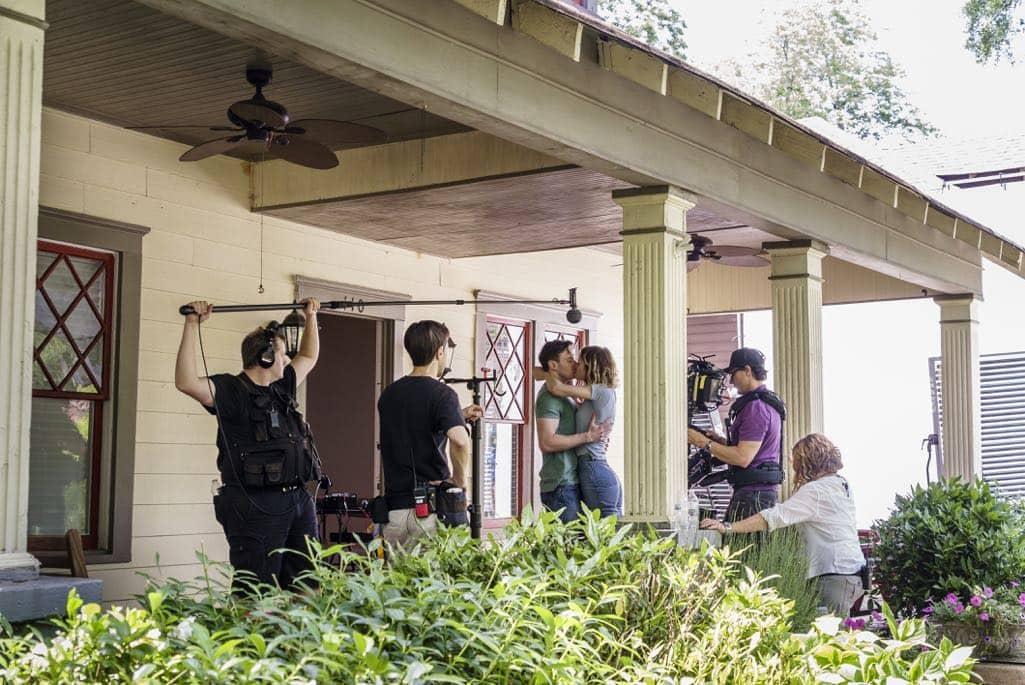 BTS, Mackenzie Davis as Cameron Howe, Mark O'Brien as Tom Rendon - Halt and Catch Fire _ Season 3, Episode 7 - Photo Credit: Tina Rowden/AMC