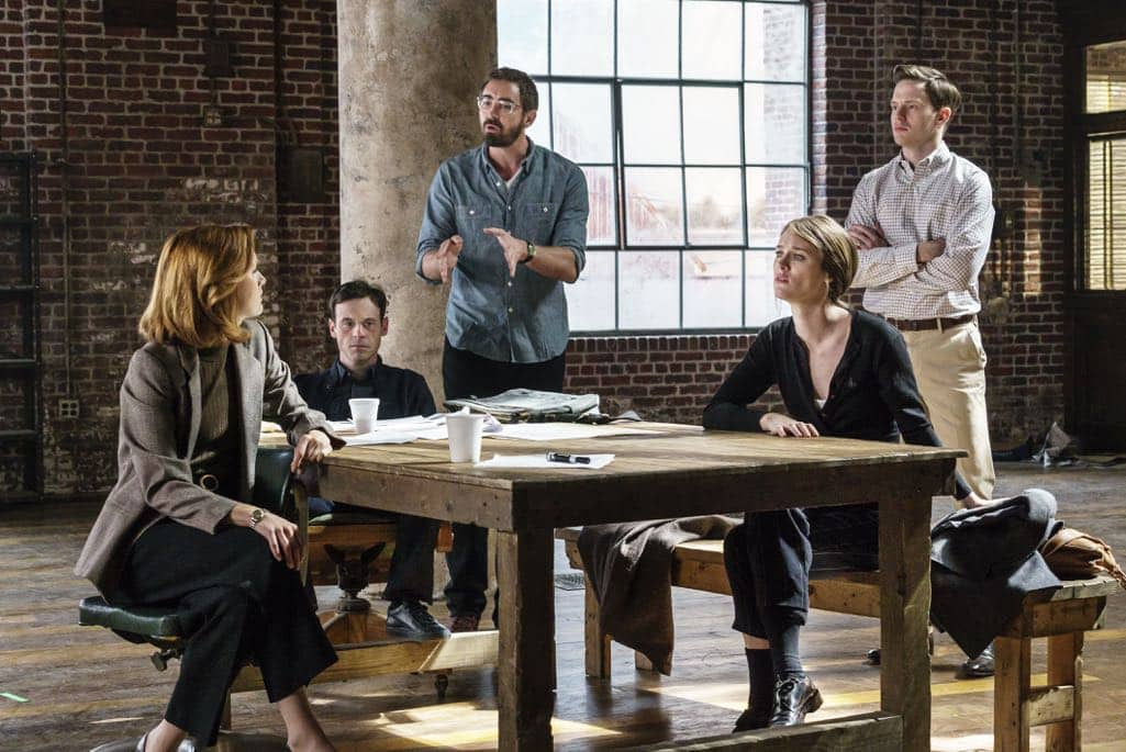 Kerry Bishe as Donna Clark, Scoot McNairy as Gordon Clark, Mackenzie Davis as Cameron Howe, Lee Pace as Joe MacMillan, Mark O'Brien as Tom Rendon - Halt and Catch Fire _ Season 3, Episode 10  - Photo Credit: Tina Rowden/AMC