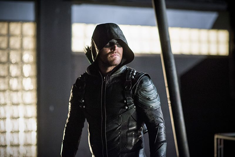 """Arrow -- """"A Matter Of Trust"""" -- Image AR503B_0286b.jpg --- Pictured: Stephen Amell as Green Arrow -- Photo: Diyah Pera/The CW -- © 2016 The CW Network, LLC. All Rights Reserved."""