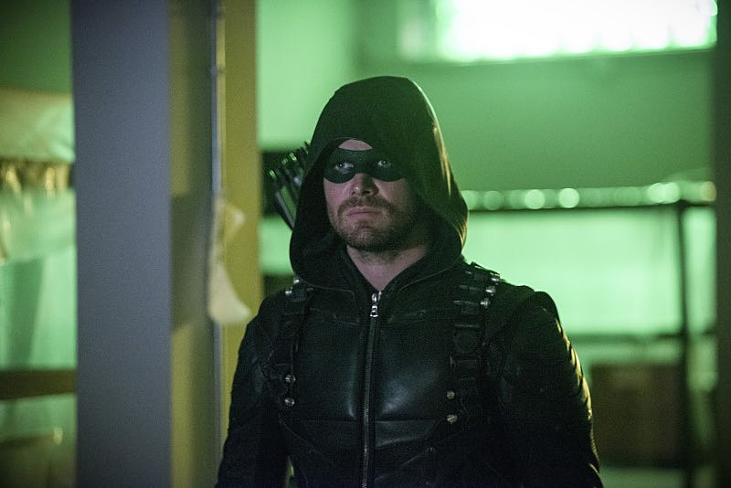 """Arrow -- """"A Matter Of Trust"""" -- Image AR503B_0158b.jpg --- Pictured: Stephen Amell as Green Arrow -- Photo: Diyah Pera/The CW -- © 2016 The CW Network, LLC. All Rights Reserved."""