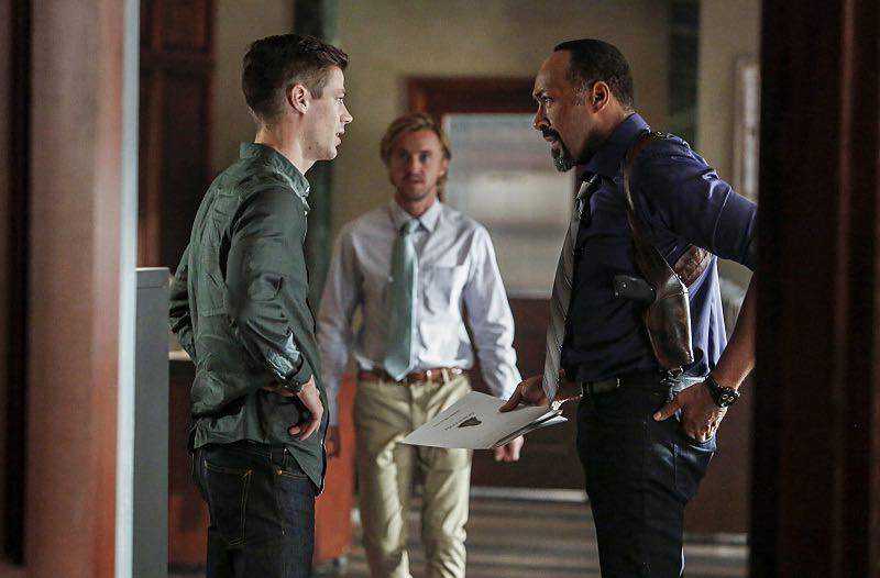 "The Flash -- ""Magenta"" -- Image: FLA303b_0078b.jpg -- Pictured (L-R): Grant Gustin as Barry Allen, Tom Felton as Julian Albert and Jesse L. Martin as Detective Joe West -- Photo: Bettina Strauss/The CW -- © 2016 The CW Network, LLC. All rights reserved."