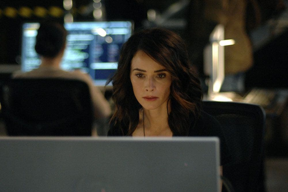 """TIMELESS -- """"Atomic City"""" Episode 102 -- Pictured: Abigail Spencer as Lucy Preston -- (Photo by: Sergei Bachlakov/NBC)"""