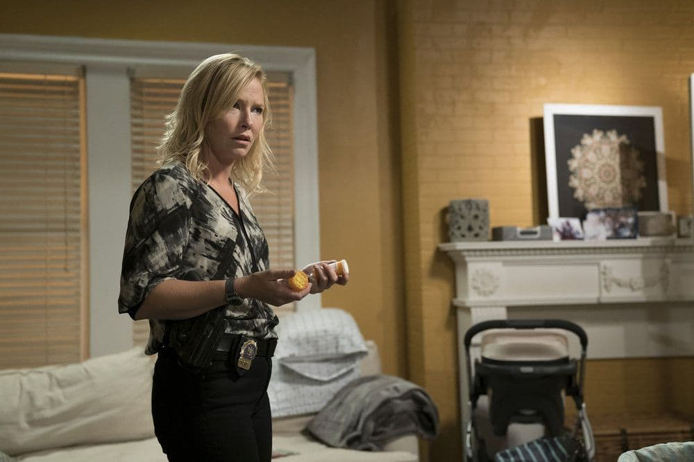 """LAW & ORDER: SPECIAL VICTIMS UNIT -- """"Heightened Emotions"""" Episode 1805 -- Pictured: Kelli Giddish as Amanda Rollins -- (Photo by: Peter Kramer/NBC)"""