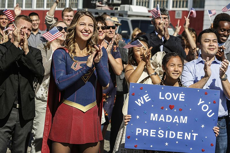 """Supergirl -- """"Welcome to Earth"""" -- Image SPG203b_0036 -- Pictured: Melissa Benoist as Kara/Supergirl -- Photo: Bettina Strauss/The CW -- © 2016 The CW Network, LLC. All Rights Reserved"""