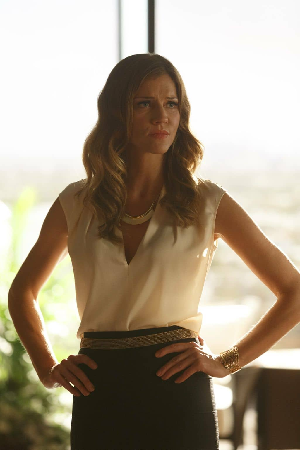 "LUCIFER: Tricia Helfer in the ""Sin-Eater"" episode of LUCIFER airing Monday, Oct. 10 (9:01-10:00 PM ET/PT) on FOX. ©2016 Fox Broadcasting Co. Cr: Michael Courtney/FOX."