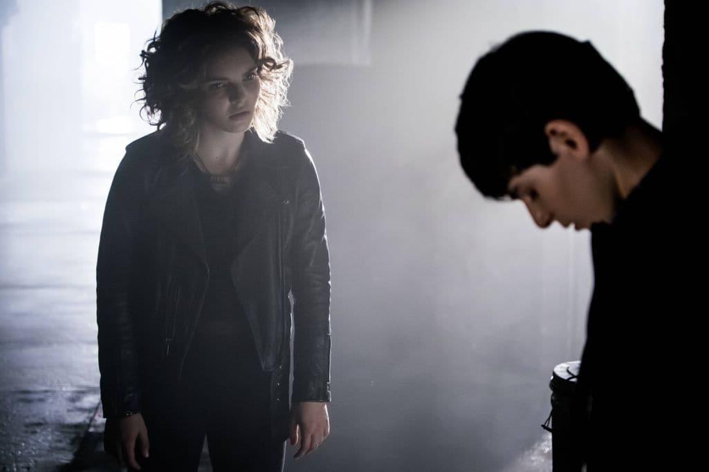 "GOTHAM: L-R: Camren Bicondova and David Mazouz in the""Mad City: New Day Rising"" episode of GOTHAM airing Monday, Oct. 10 (8:00-9:01 PM ET/PT) on FOX. ©2016 Fox Broadcasting Co. Cr: Jessica Miglio/FOX."