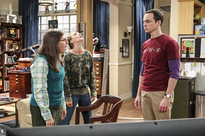 """The Hot Tub Contamination"" -- Pictured: Amy Farrah Fowler (Mayim Bialik), Penny (Kaley Cuoco) and Sheldon Cooper (Jim Parsons). Leonard and Penny must separate a quarreling Sheldon and Amy when their cohabitation does not go as planned, and Sheldon threatens to break off their relationship when Amy refuses to adhere to the bathroom schedule. Also, Howard and Bernadette find unexpected guests at their house when they decide to stay home from a planned vacation, on THE BIG BANG THEORY, Monday, Oct. 17 (8:00-8:31 PM, ET/PT), on the CBS Television Network. Photo: Sonja Flemming/CBS ©2016 CBS Broadcasting, Inc. All Rights Reserved."