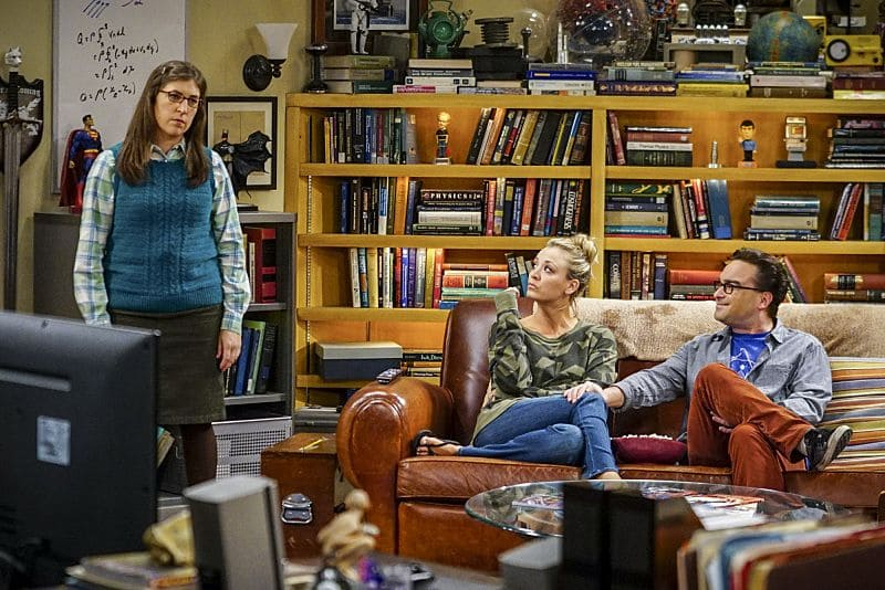 """The Hot Tub Contamination"" -- Pictured: Amy Farrah Fowler (Mayim Bialik), Penny (Kaley Cuoco) and Leonard Hofstadter (Johnny Galecki). Leonard and Penny must separate a quarreling Sheldon and Amy when their cohabitation does not go as planned, and Sheldon threatens to break off their relationship when Amy refuses to adhere to the bathroom schedule. Also, Howard and Bernadette find unexpected guests at their house when they decide to stay home from a planned vacation, on THE BIG BANG THEORY, Monday, Oct. 17 (8:00-8:31 PM, ET/PT), on the CBS Television Network. Photo: Sonja Flemming/CBS ©2016 CBS Broadcasting, Inc. All Rights Reserved."