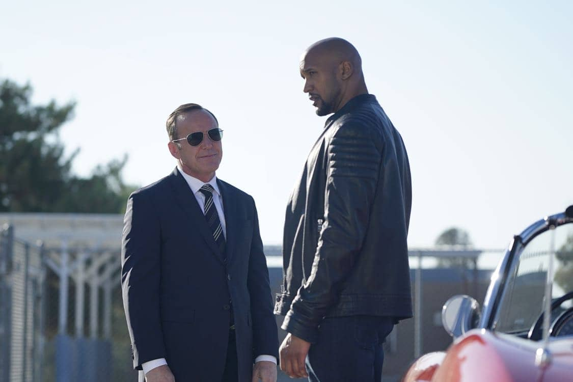"""MARVEL'S AGENTS OF S.H.I.E.L.D. - """"Let Me Stand Next to Your Fire"""" - As Ghost Rider's quest for vengeance brings him into an explosive confrontation with S.H.I.E.L.D., Coulson and Mack must rely on an unlikely ally in their time of desperate need; and Daisy reunites with a familiar face to stop the Watchdogs, on """"Marvel's Agents of S.H.I.E.L.D.,"""" TUESDAY, OCTOBER 18 (10:00-11:00 p.m. EDT), on the ABC Television Network. (ABC/Jennifer Clasen) CLARK GREGG, HENRY SIMMONS"""