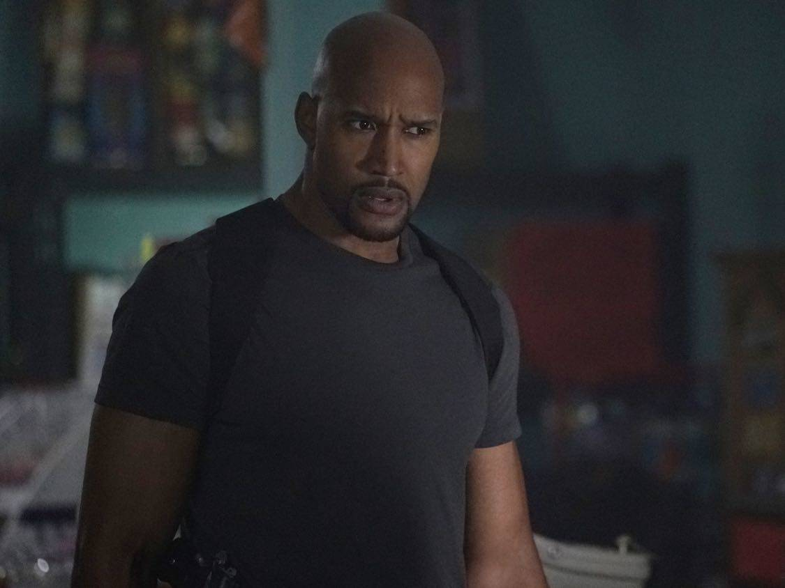 """MARVEL'S AGENTS OF S.H.I.E.L.D. - """"Let Me Stand Next to Your Fire"""" - As Ghost Rider's quest for vengeance brings him into an explosive confrontation with S.H.I.E.L.D., Coulson and Mack must rely on an unlikely ally in their time of desperate need; and Daisy reunites with a familiar face to stop the Watchdogs, on """"Marvel's Agents of S.H.I.E.L.D.,"""" TUESDAY, OCTOBER 18 (10:00-11:00 p.m. EDT), on the ABC Television Network. (ABC/Kelsey McNeal) HENRY SIMMONS"""