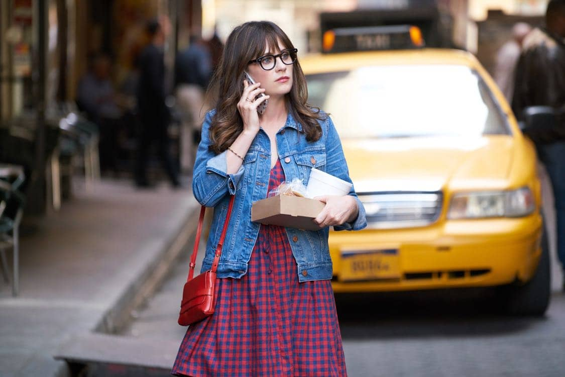 "NEW GIRL: Zooey Deschanel in the special ""Homecoming"" NEW GIRL/BROOKLYN NINE-NINE crossover episode of NEW GIRL airing Tuesday, Oct. 11 (8:31-9:01 PM ET/PT) on FOX. ©2015 Fox Broadcasting Co. Cr: Adam Taylor/FOX"