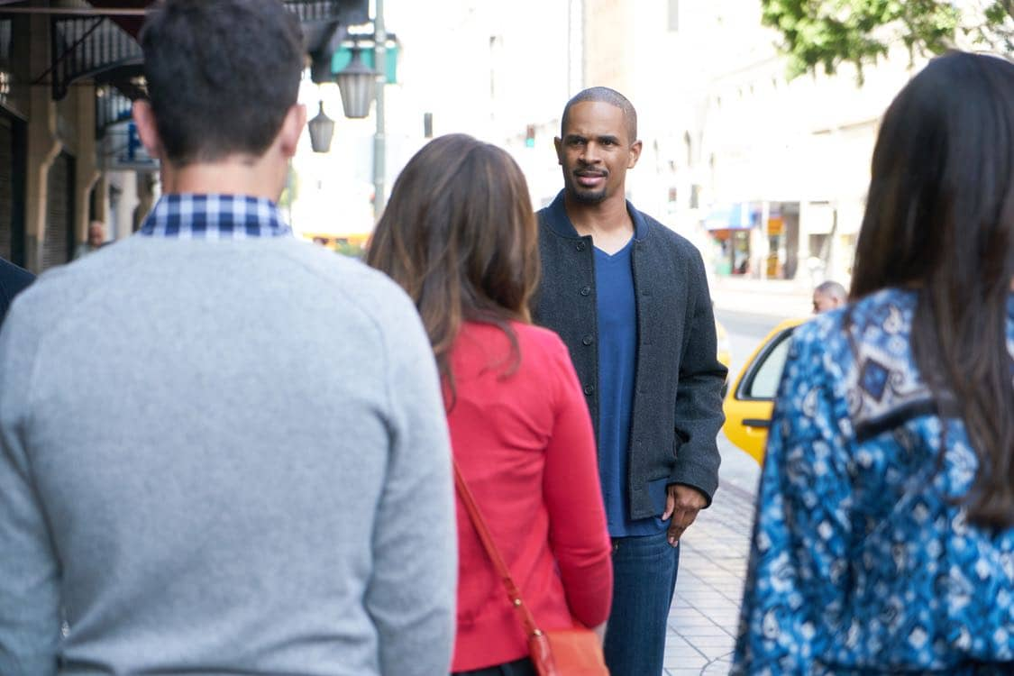"NEW GIRL: Guest star Damon Wayans, Jr. in the special ""Homecoming"" NEW GIRL/BROOKLYN NINE-NINE crossover episode of NEW GIRL airing Tuesday, Oct. 11 (8:31-9:01 PM ET/PT) on FOX. ©2015 Fox Broadcasting Co. Cr: Adam Taylor/FOX"