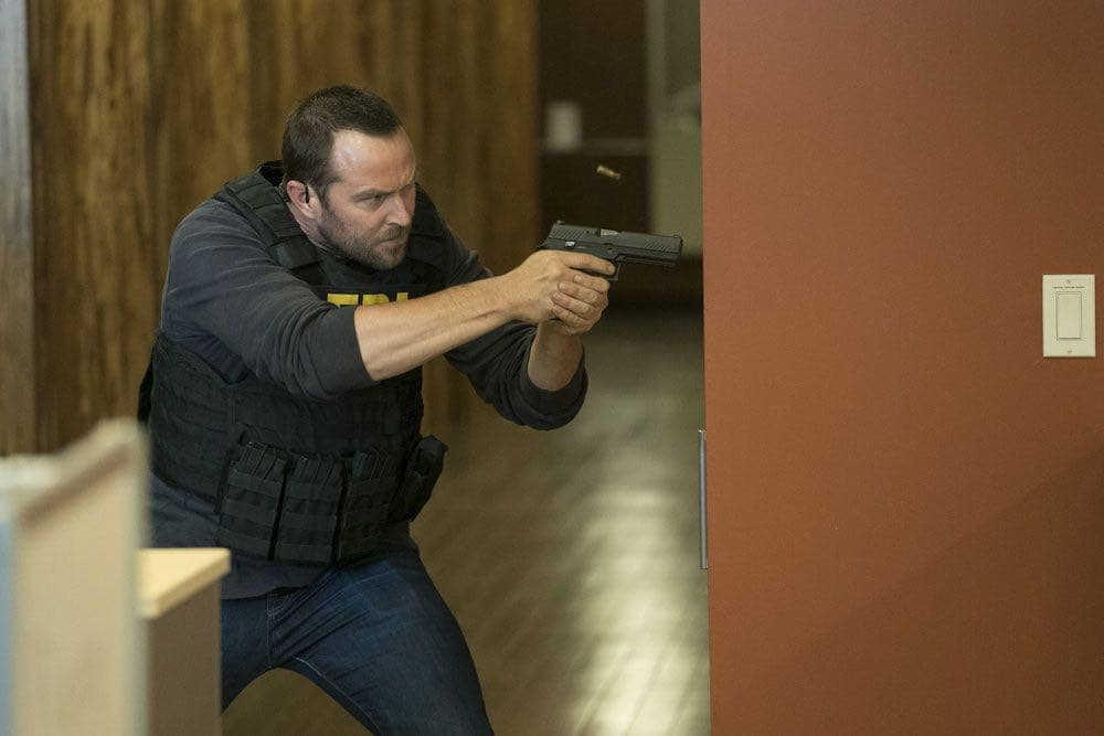 "BLINDSPOT-- ""Condone Untidiest Thefts"" Episode 205 -- Pictured: Sullivan Stapleton as Kurt Weller -- (Photo by: Peter Kramer/NBC)"