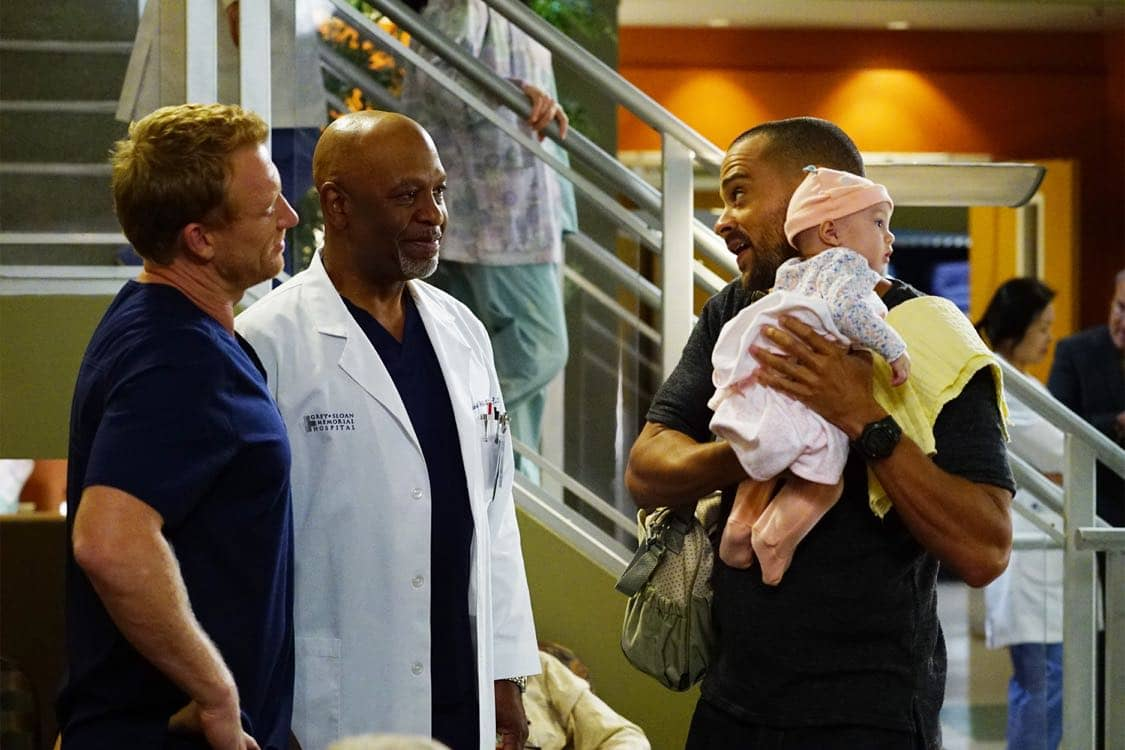 "GREY'S ANATOMY - ""Both Sides Now"" - Meredith and Bailey are at odds when both of their patients need a liver transplant, Owen seeks help from the other doctors when he is charged with babysitting baby Harriet for the day, and Amelia struggles with telling Owen some important news, on ""Grey's Anatomy,"" THURSDAY, OCTOBER 20 (8:00-9:00 p.m. EDT), on the ABC Television Network. (ABC/Richard Cartwright) KEVIN MCKIDD, JAMES PICKENS, JR., JESSE WILLIAMS"