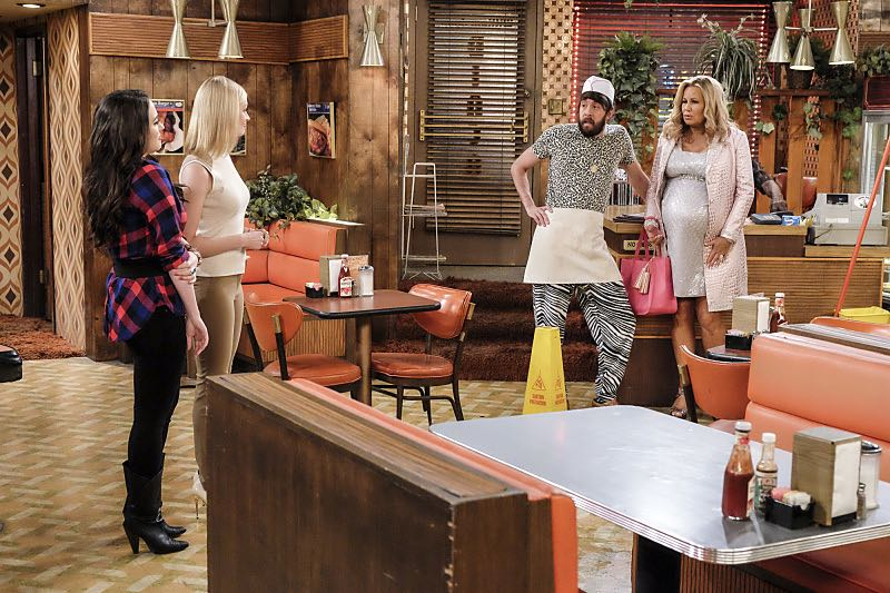 2 BROKE GIRLS Season 6 Episode 2 Photos And the Two Openings Part Two 01