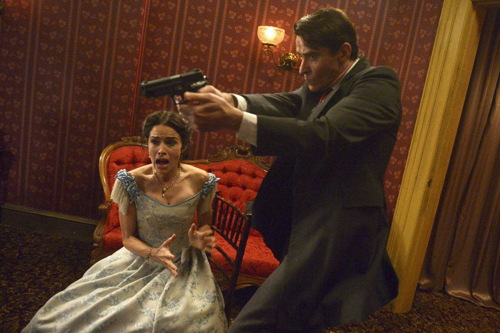 "TIMELESS -- ""The Assassination of Abraham Lincoln"" Episode 101 -- Pictured: (l-r) Abigail Spencer as Lucy Preston, Goran Visnjic as Garcia Flynn -- (Photo by: Sergei Bachlakov/NBC)"