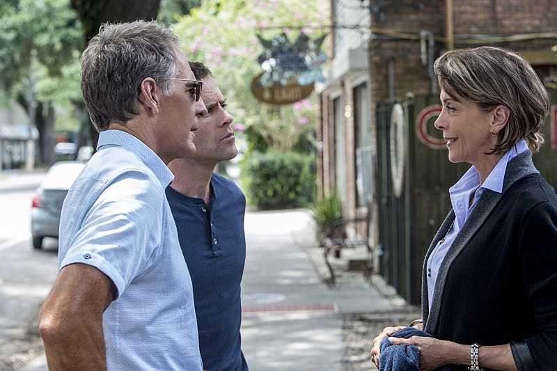 """""""Escape Plan"""" -- The NCIS team must rescue one of their own after Sebastian is kidnapped while at a restaurant with his mother, Sylvia Lund, and forced to use his gaming skills in a prison break, on NCIS: New Orleans, Tuesday, Oct. 18 (10:00-11:00, ET/PT), on the CBS Television Network. Pictured L-R: Scott Bakula as Special Agent Dwayne Pride, Lucas Black as Special Agent Christopher LaSalle, and Wendie Malick as Sylvia Lund Photo: Skip Bolen/CBS ©2016 CBS Broadcasting, Inc. All Rights Reserved"""