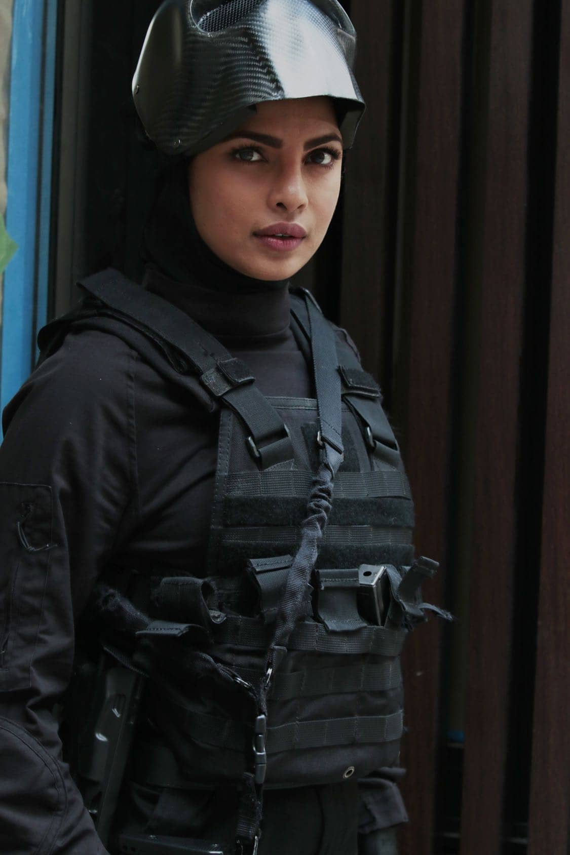 """QUANTICO - """"Stescalade"""" - The new CIA recruits continue training at The Farm focusing on assessment, while in the future, Alex goes undercover to infiltrate the terrorist group holding everyone hostage where she is shocked to discover not everyone is a stranger on """"Quantico,"""" airing SUNDAY, OCTOBER 16 (10:00-11:00 p.m. EDT), on the ABC Television Network. (ABC/Giovanni Rufino) PRIYANKA CHOPRA"""