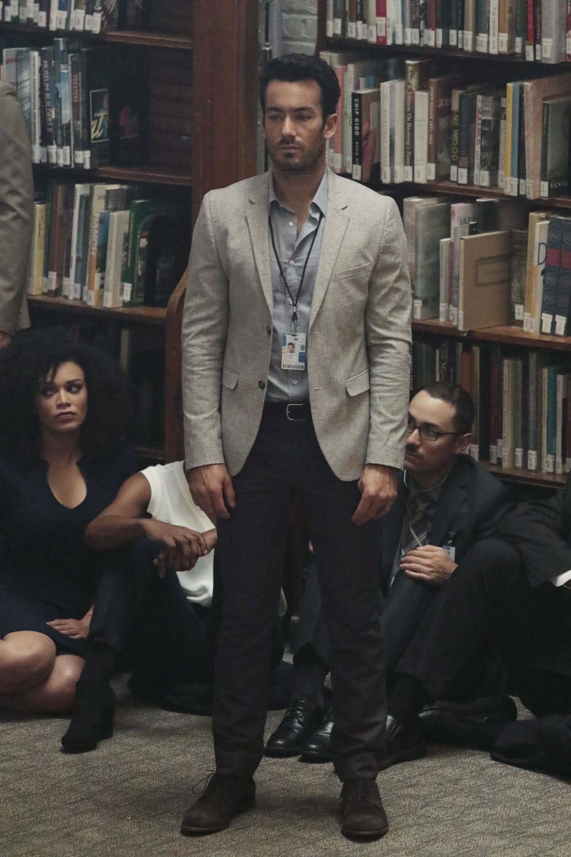 """QUANTICO - """"Stescalade"""" - The new CIA recruits continue training at The Farm focusing on assessment, while in the future, Alex goes undercover to infiltrate the terrorist group holding everyone hostage where she is shocked to discover not everyone is a stranger on """"Quantico,"""" airing SUNDAY, OCTOBER 16 (10:00-11:00 p.m. EDT), on the ABC Television Network. (ABC/Giovanni Rufino) AARON DIAZ"""