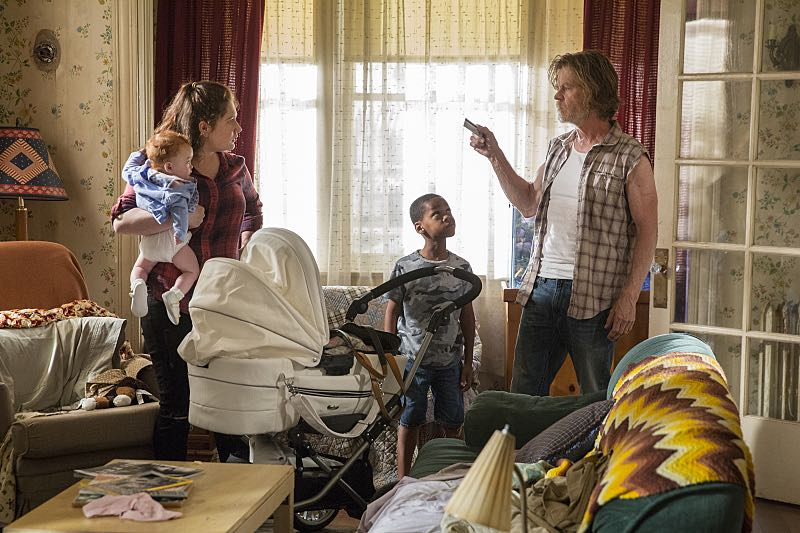 Emma Kenney as Debbie Gallagher and William H. Macy as Frank Gallagher in Shameless (Season 7, episode 2) - Photo: Cliff Lipson/SHOWTIME - Photo ID: shameless_702_1931