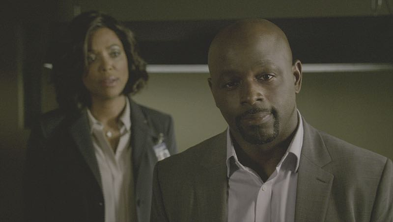 """Mirror Image"" -- The BAU team opens an investigation when a man who fully believes he's Dr. Tara Lewis' (Aisha Tyler) brother arrives in town, knowing everything about her and her family, and she is unable to make contact with her real sibling, on CRIMINAL MINDS, Wednesday, Nov. 30 (9:00-10:00 PM, ET/PT), on the CBS Television Network. Series star Joe Mantegna directed the episode. Pictured: Aisha Tyler (Dr. Tara Lewis), Alimi Ballard (Desmond Holt) Photo: CBS ©2016 CBS Broadcasting, Inc. All Rights Reserved"