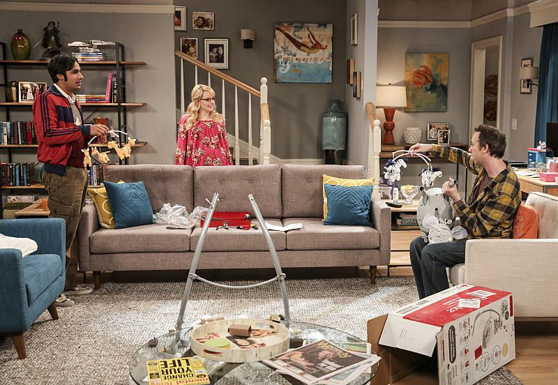 """The Property Division Collision"" -- Pictured: Rajesh Koothrappali (Kunal Nayyar), Bernadette (Melissa Rauch) and Stuart (Kevin Sussman).Sheldon and Leonard try to divvy up their shared belongings, but can't agree on anything. Also, Koothrappali and Stuart fight to be the most helpful during Bernadette's final weeks of pregnancy, on THE BIG BANG THEORY, Thursday, Dec. 1 (8:00-8:31 PM, ET/PT), on the CBS Television Network. Christopher Lloyd guest stars as Theodore. Photo: Michael Yarish/Warner Bros. Entertainment Inc. © 2016 WBEI. All rights reserved."