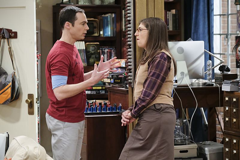 """The Property Division Collision"" -- Pictured: Leonard Hofstadter (Johnny Galecki) and Amy Farrah Fowler (Mayim Bialik). Sheldon and Leonard try to divvy up their shared belongings, but can't agree on anything. Also, Koothrappali and Stuart fight to be the most helpful during Bernadette's final weeks of pregnancy, on THE BIG BANG THEORY, Thursday, Dec. 1 (8:00-8:31 PM, ET/PT), on the CBS Television Network. Christopher Lloyd guest stars as Theodore. Photo: Darren Michaels/Warner Bros. Entertainment Inc. © 2016 WBEI. All rights reserved."