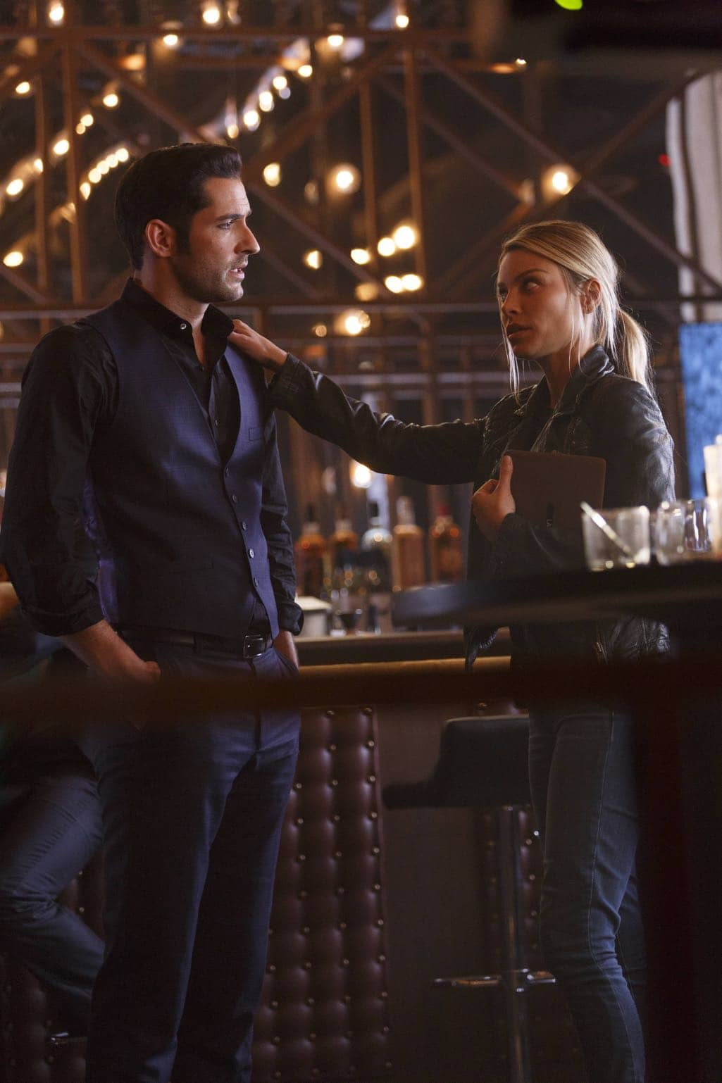 "LUCIFER: L-R: Tom Ellis and Lauren German in the ""Homewrecker"" episode of LUCIFER airing Monday, Nov. 21 (9:01-10:00 PM ET/PT) on FOX. ©2016 Fox Broadcasting Co. Cr: Michael Courtney/FOX."