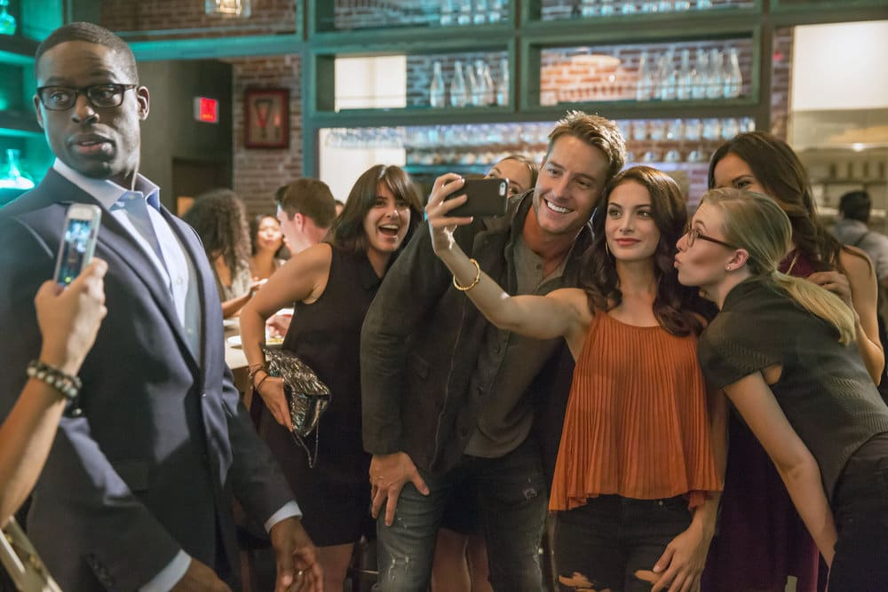 """THIS IS US -- """"The Best Washing Machine in the Whole World """" Episode 107 -- Pictured: (l-r) Sterling K. Brown as Randall, Justin Hartley as Kevin -- (Photo by: Ron Batzdorff/NBC)"""