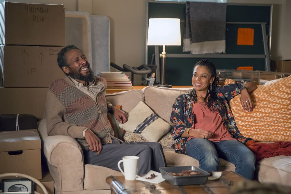 """THIS IS US -- """"The Best Washing Machine in the Whole World """" Episode 107 -- Pictured: (l-r) Ron Cephas Jones as William, Susan Kelechi Watson as Beth -- (Photo by: Ron Batzdorff/NBC)"""